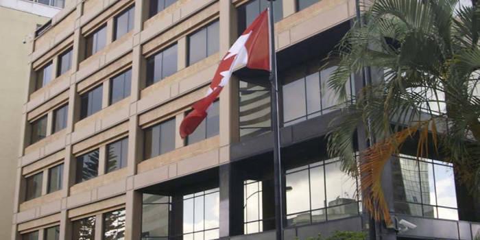 embajada canadiense